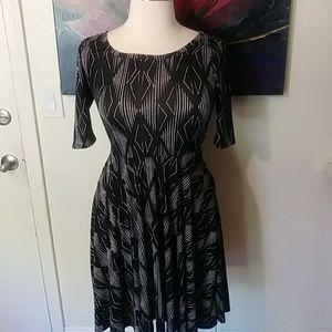 Lularoe White And Black Nicole Dress NWOT